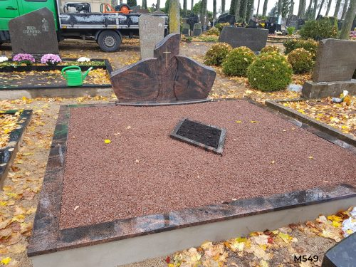 paminklai gamyba Trijų dalių paminklas, antkapis, skalda, dekoratyvinė skalda, gėlynas, kapų tvarkymas Kaune