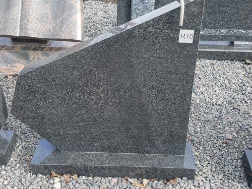 vienos dalies juodo granito paminklas