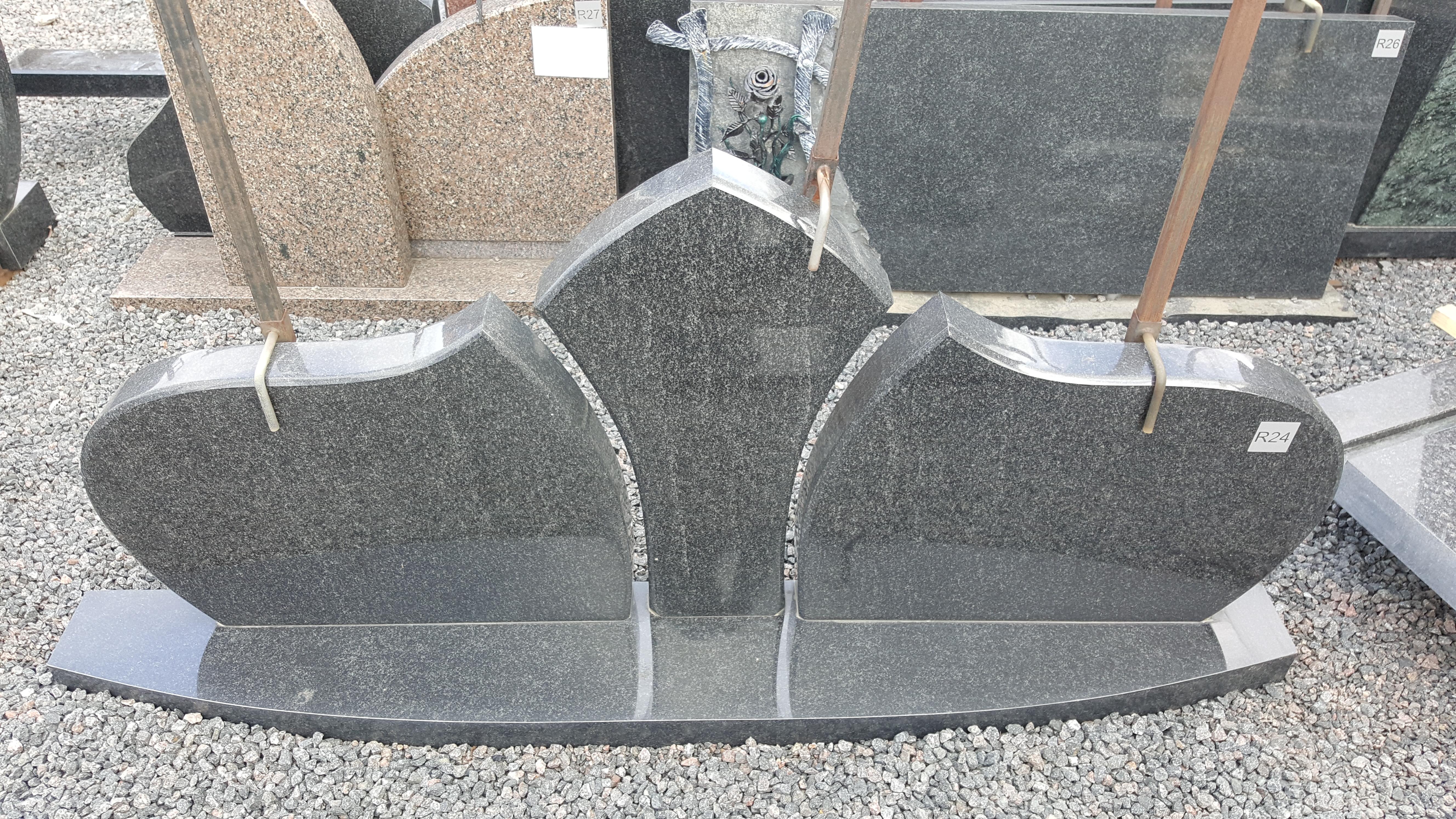 trijų dalių juodo granito paminklas