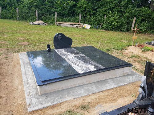 Kapo dengimas granito plokšte, paminklas, trinkelės
