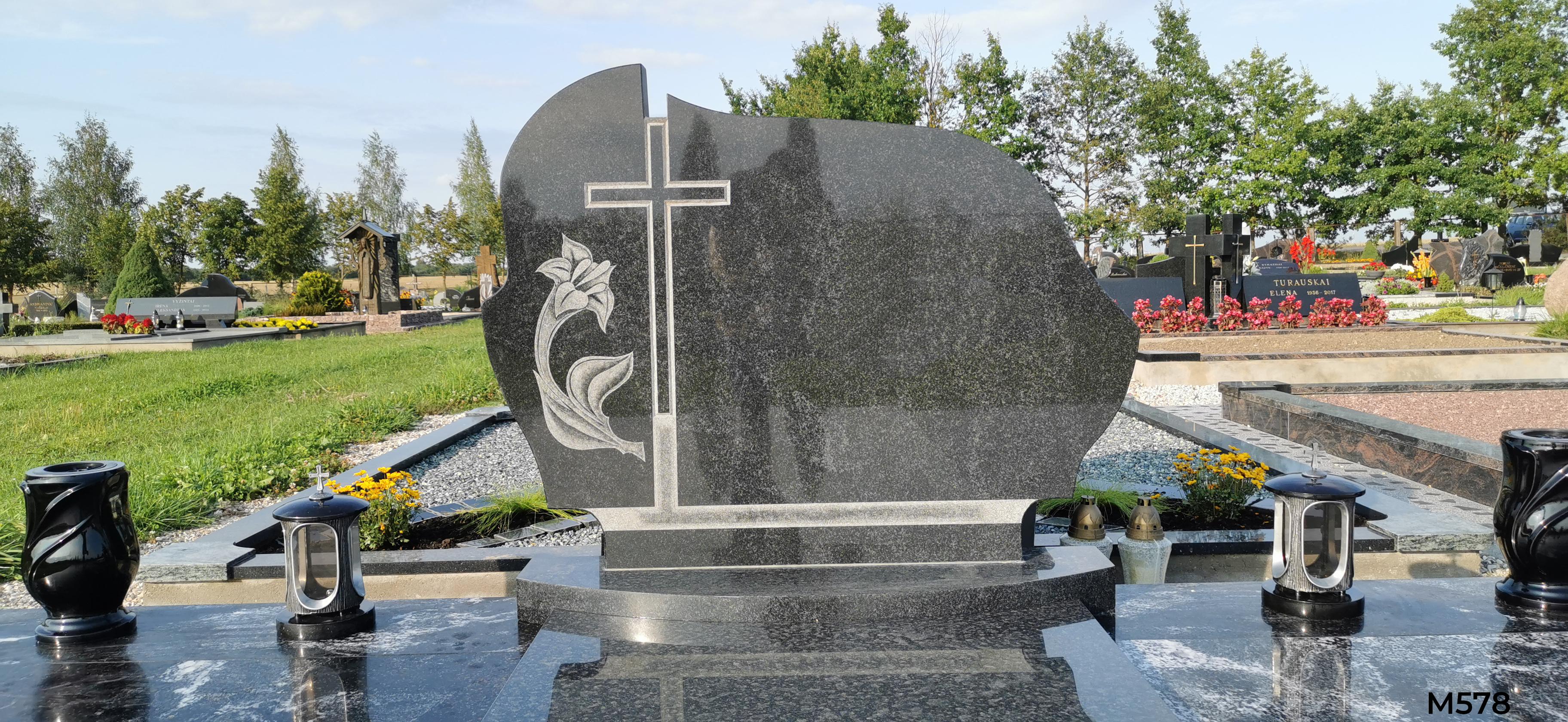 Vienos dalies paminklas, kapo dengimas plokšte, trinkelių klojimas, suoliukas.pamato betonavimas