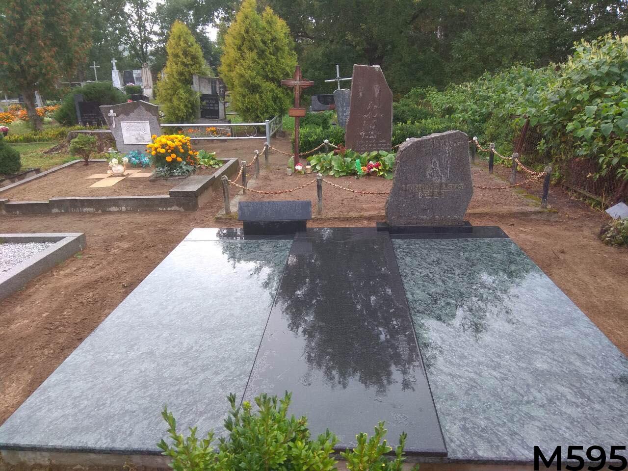 Kapo dengimas juodo ir žalio granito plokšte