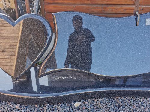 Dviejų dalių paminklas Gabro Diabaz Karelija
